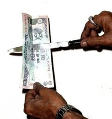Paradan Geçen Bıçak